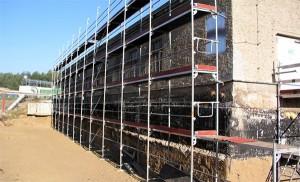 Baugrube zur Freilegung Anbau, Lager für flüssige Abfälle